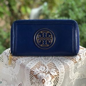 Tory Burch Amanda Jelly Blue Leather Zip Wallet.